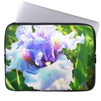 Aquarell-Iris im Lavendel und im Blau Laptopschutzhülle