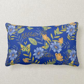 Aquarell mit Blumen mit Schmetterlingen Lendenkissen