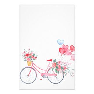 Aquarell-Valentinsgruß Rosa-Fahrrad und Briefpapier