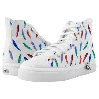 Aquarell versieht hohe Spitzenschuhe mit Federn Hoch-geschnittene Sneaker