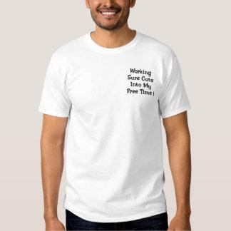 Arbeitende sichere Schnitte in meine Freizeit! Besticktes T-Shirt