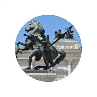 Architektur in Wien, Österreich Runde Wanduhr