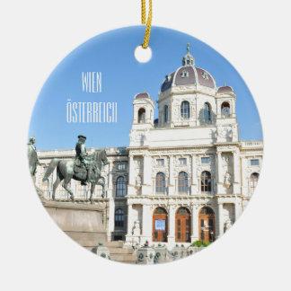 Architektur in Wien, Österreich Rundes Keramik Ornament
