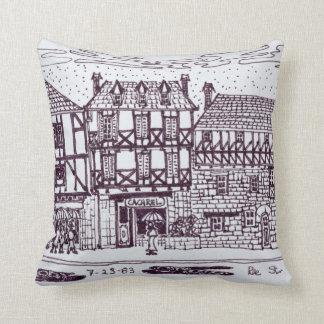 Architektur-Rue-St. Mathieu | Quimper, Bretagne Kissen