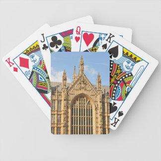 Architekturdetail des gotischen Fensters Bicycle Spielkarten
