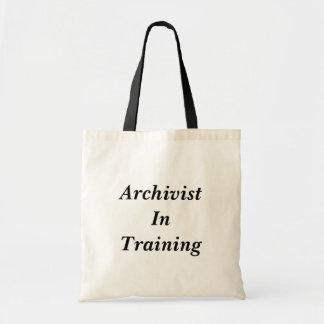 Archivar in der Trainings-Tasche Tragetasche
