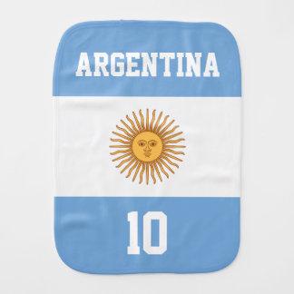 Argentinien-Flagge mit Ihrem Baby-Namen und Zahl Baby Spucktuch