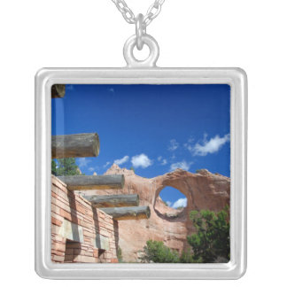 Arizona, Fenster-Felsen. Hauptstadt des Navajos Versilberte Kette