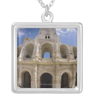 Arles, Frankreich, Äußeres der Arles Antike 3 Versilberte Kette