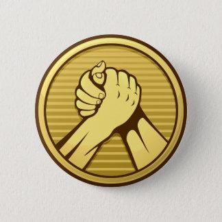 Arm-Wrestling Gold Runder Button 5,1 Cm