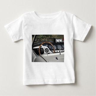 Armaturenbrett eines alten britischen klassischen baby t-shirt