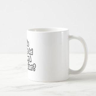 Arzt-behilflicher Witz… zwei Daumen Kaffeetasse