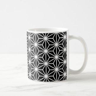 Asanoha Art - Weiß auf Schwarzem Kaffeetasse