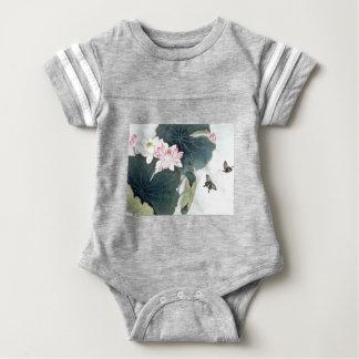 Asiatische Baby Strampler