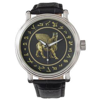 Assyrian goldene Alphabet- und Lamassuuhr Armbanduhr