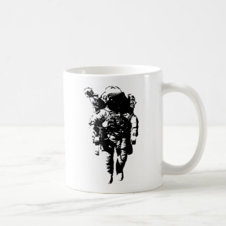 Astronaut im Raum Kaffeetasse