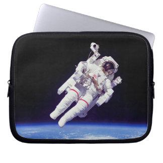 Astronaut Jetpack Spacewalk Laptop Schutzhüllen