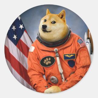 Astronautenhund - Doge - shibe - Doge memes Runder Aufkleber