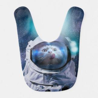 Astronautenkatze, die den Hamburger betrachtet Babylätzchen