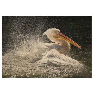 Atemberaubender Pelikan im Wasser Holzposter