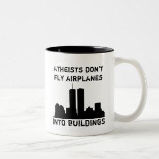 Atheisten fliegen Flugzeuge nicht in Gebäude Zweifarbige Tasse