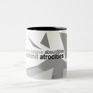 Atheistisches Kleid - Voltaire Zitat-Grafik-Tasse Zweifarbige Tasse