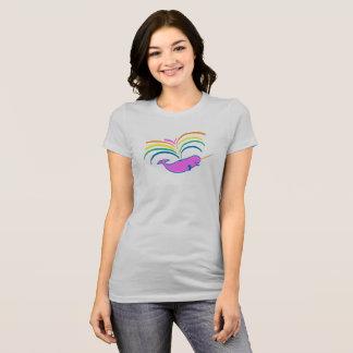 Atmosphärisches Narwhal - etwas kleiner, höher T-Shirt