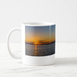 Auckland-Stadt-Sonnenaufgang-Silhouette Kaffeetasse