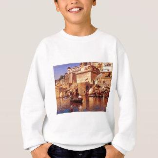 Auf dem Fluss Benares durch Edwin-Lord Weeks Sweatshirt