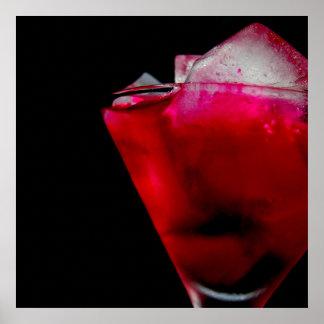 Auffrischung des roten und rosa Cocktails