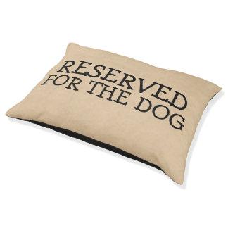 Aufgehoben für den Hund Haustierbett