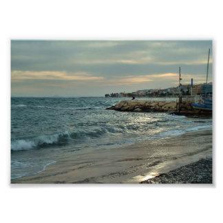 Aufgeregt Meer neben dem Hafen von Villajoyosa Fotodruck