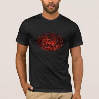 Auge im rauen T-Shirt