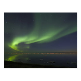 Aurora Borealis reflektiert in Nordpolarmeer 2 Postkarte