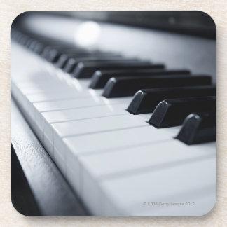 Ausführliche Klavier-Schlüssel Getränk Untersetzer