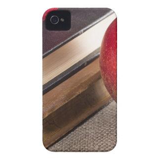Ausführliche Nahaufnahmeansicht der roten Äpfel iPhone 4 Hülle