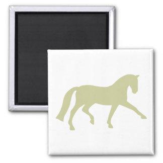 Ausgedehntes Trabdressage-Pferd (weises Grün) Quadratischer Magnet