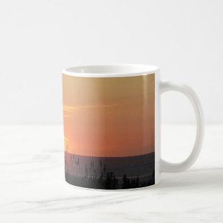 Äußerer Bank-Sonnenaufgang durch die Seehafer Kaffeetasse