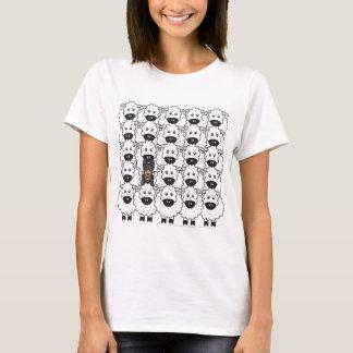 Australischer Kelpie in den Schafen T-Shirt