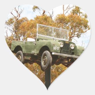 Auto auf einem Pfosten, Keith, Australien Herz-Aufkleber