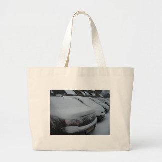 Autos im Schnee Einkaufstaschen