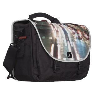 Autos und Bewegung Laptop Taschen
