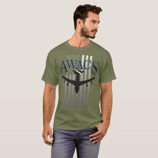 Awacs-Wache und US-Flagge T-Shirt