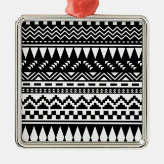 Aztekisches Schwarzweiss-Stammes- Quadratisches Silberfarbenes Ornament