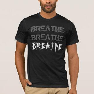 B - Atmen Sie T-Shirt