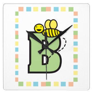 B ist für Bienen-Wanduhr Quadratische Wanduhr