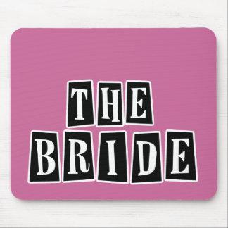 B&W Retro Briefmarke - die Braut Mousepads