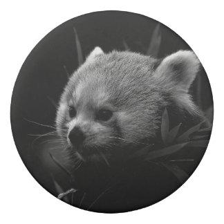 B&W roter Panda Radiergummis 0