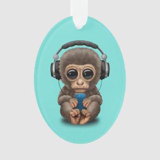 Baby-Affe mit Kopfhörern und Handy Ornament