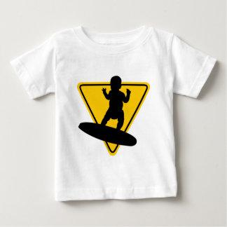 Baby auf (Brandungs-) Brett Baby T-shirt